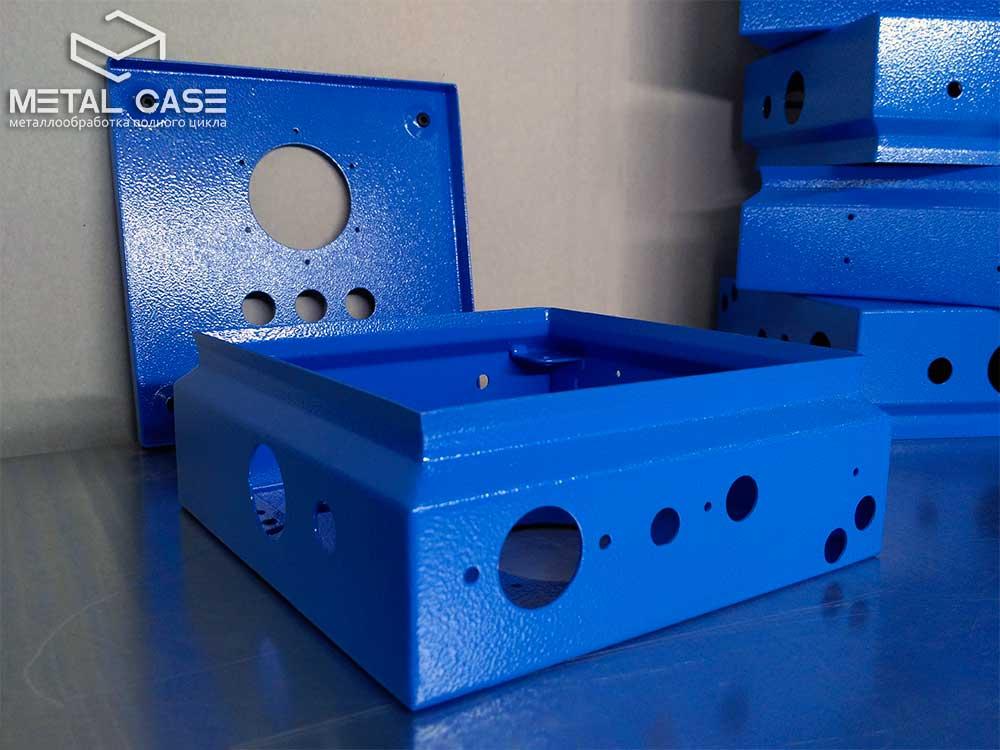 Стальной корпус для измерительной аппаратуры (9 фото)